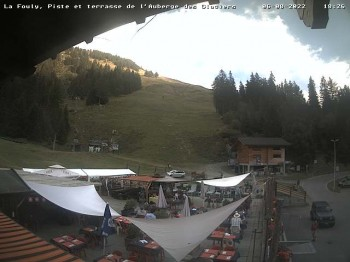 La Fouly: Valley station and Auberge des Glaciers