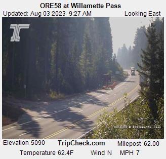 Willamette Pass: Blick auf die Strasse