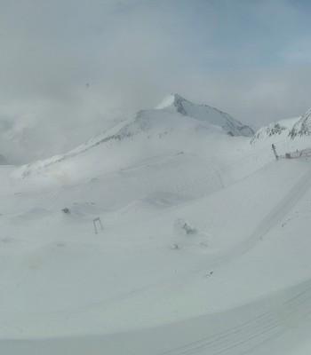 Top station Schaufeljochbahn (Stubai Glacier)